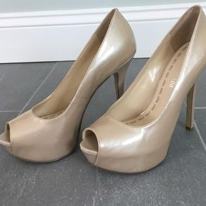Enzo Angiolini « Tanen» Pump in Light Natural
